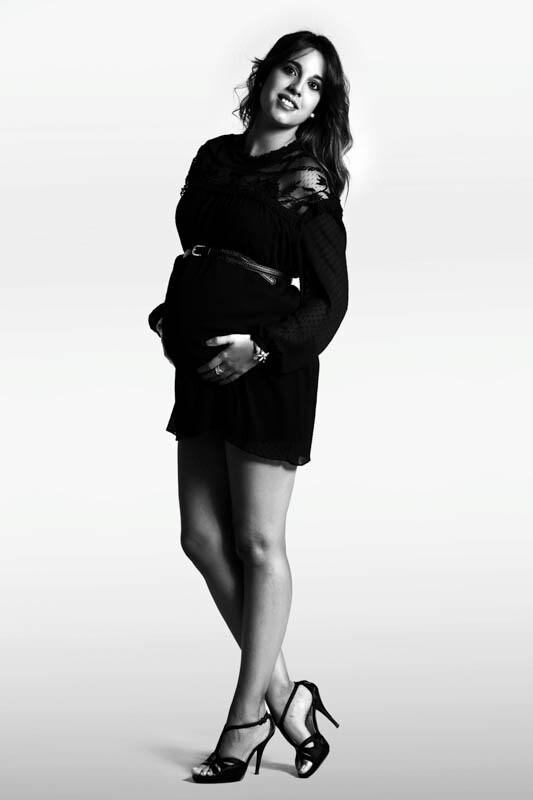 fotografías de embarazo en blanco y negro