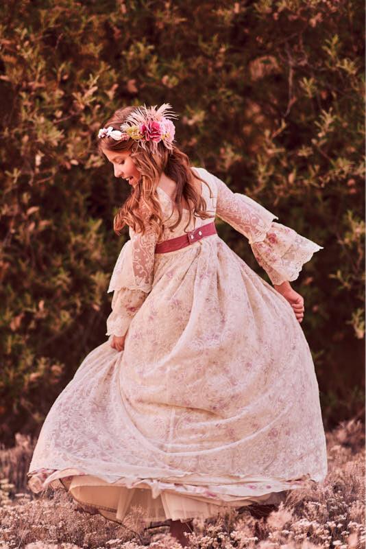 fotografía de comunión niña en exterior
