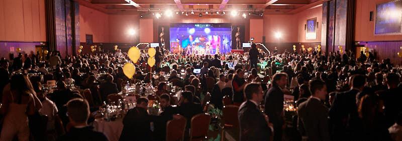 fotografía panorámica de los asistentes a la gala de entrega de premios de hostelería salamanca