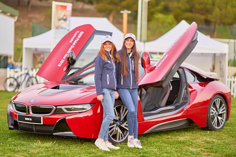 fotos del staff y coches del torneo de padel BMW